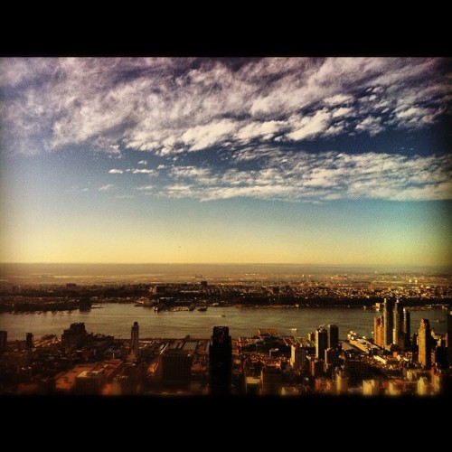 From the top of the world… #instagood #instagood_newyork_newyorkcity #empire #empirestate #empirestatebuilding #building #buildings #architecture #autumn #winter #fall #topoftheworld #highup #intheair #clouds #hudson #river #esb #manhattan #sky #nyc #newyork #mywestsidestory