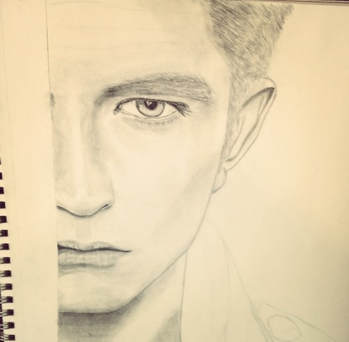 loveknows-hang:  What I'm currently working on hehe.. Robert Patterson
