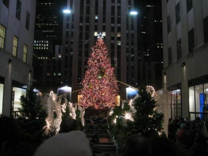 I'm watching Rockefeller Center Christmas Tree                        Check-in to               Rockefeller Center Christmas Tree on GetGlue.com