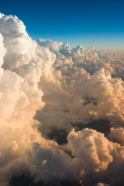 janesaispas:  I love clouds.