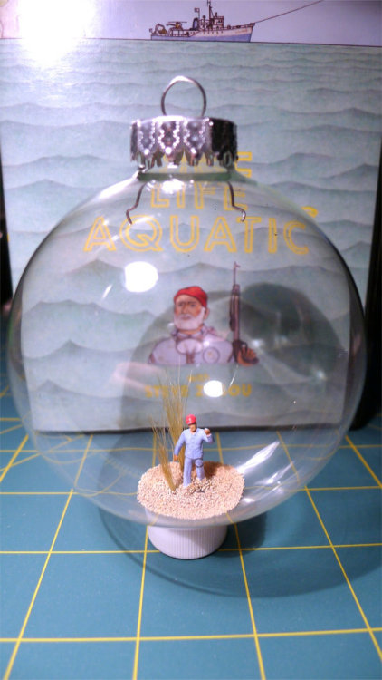 cussyeah-wesanderson:  Team Zissou Holiday Ornament by SteveZissou! AMAZING!