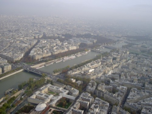 ratchetonline:  view from the top of the eiffel tower 10/31/06