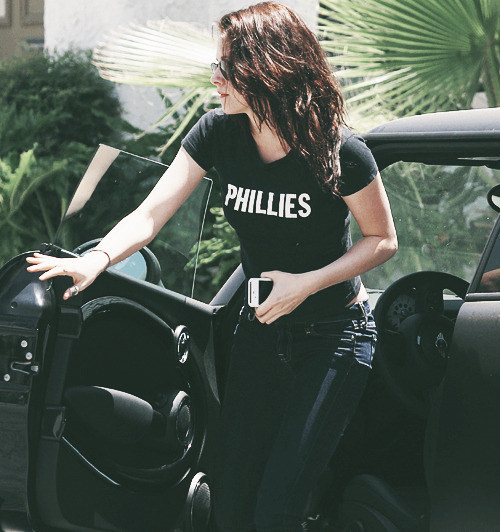 the best of kristen stewart's shirts ★ phillies natick farm league