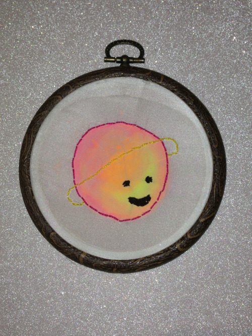 dotcomski:  29/11/12 Lil planet friend. First time embroidering