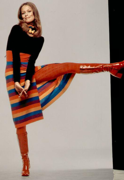 theswinginsixties:  Lauren Hutton, 1960s.