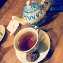 Nothing like licorice root tea on a tired day. #tea #licorice #cookie #europe #teacup #food #saucer #drink #hot #sip #relax #tired #happy (at Jac A. van Zanten)