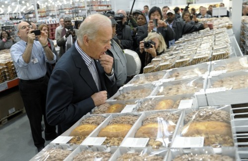 Joe Biden SO VERY SERIOUS about picking the right pie. More here.