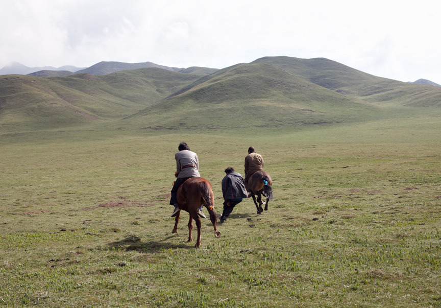 jfpetersphoto:  Race, Qinghai, China 2012