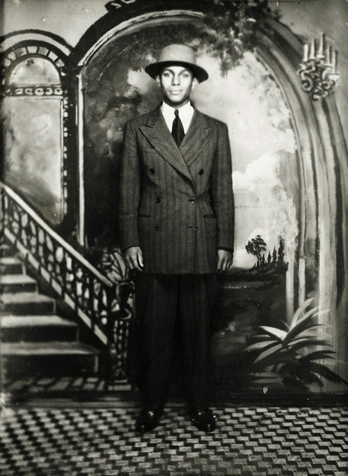 vintagegal:  Unknown fashionable man in Harlem, New York c. 1930's