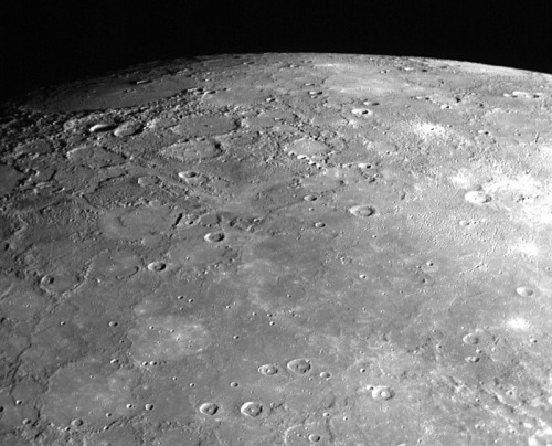 discoverynews:   Organics Discovered on Mercury! New results from the MESSENGER spacecraft not only confirm that the planet closest to the sun has ice inside shaded craters near the north pole, but that a thin layer of very dark organic material seems to be covering a good part of the frozen water.  The smallest planet in the Solar System has joined the Organics Club…