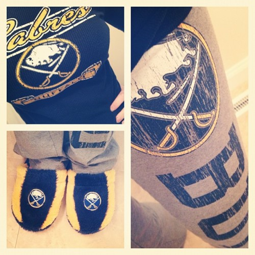 a-west-side-story:  I think I am missing Sabres Hockey today… #lockout #lockoutproblems #sabres #nhl #hockey