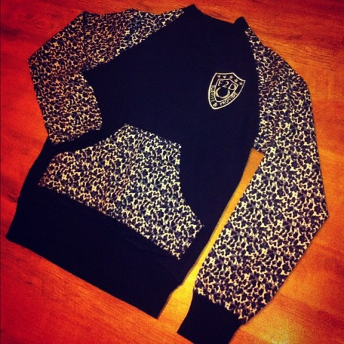 Sweater anyone? #F2Dclothing #F2D #animalprint #leopard