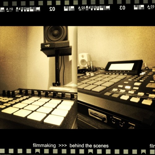 #learning#this#mpc#2500 #and#maschine#funny#stuff#sample#beat#making#beatmaking#beats#akai#studio#getting#better#ig#webstagram#instagram#instagrammers#night#life#jj#luleå#sweden