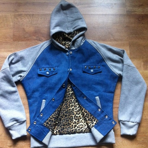 LADIES CONCEPT JACKET. WE HAVE ONE SIZE MEDIUM IN THIS. HOLLA AT @f2dsales IF YOU WANNA BUY IT. #f2dclothing #f2d #ladies #girls #women #jacket #leopard #exclusive #sale #streetwear #fashion