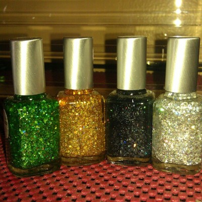 Green,Gold,Black,Silver flakes for the fairy dust/shatter glass effect.. #nails #pretty #polish #sparkles #nailpolish #glitter  (at Colleen's Nail Bar)
