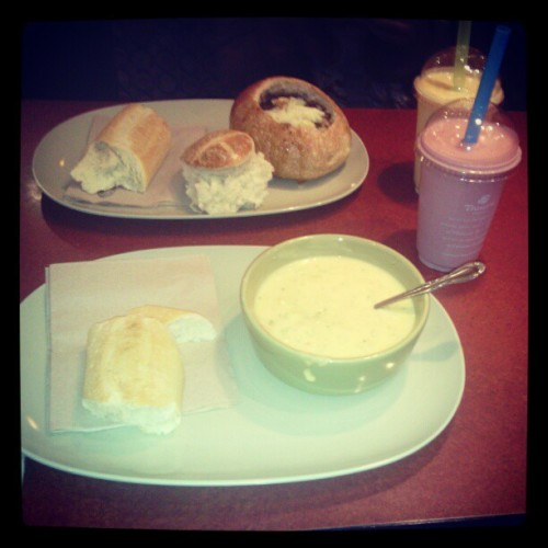 Panera with the bestfrienddd @hippiejay_ <3