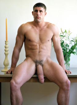 bcallifornia:  #MUSCLE #HOTTIE with a #HOT #BIG #FAT #DiscoSTICK