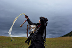 vanishingcultures:  A novice shaman in Mongolia Photo by Carolyn Drake