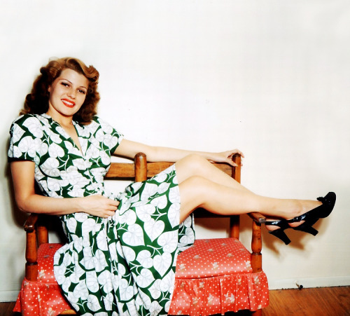 vintagegal:  Rita Hayworth c. 1940's