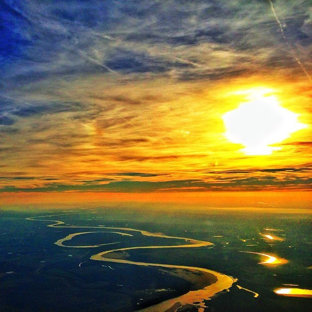 Tonight's sunset over the Mississippi River #sunset #flight #aa #mississippi #view #river #knox #knoxkeith #photography