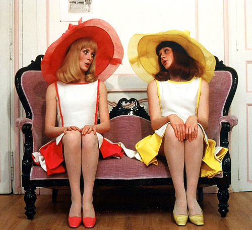 Catherine Deneuve and Françoise Dorléac wearing hats by Jean Barthet in the film Les Demoiselles de Rochefort (1967)