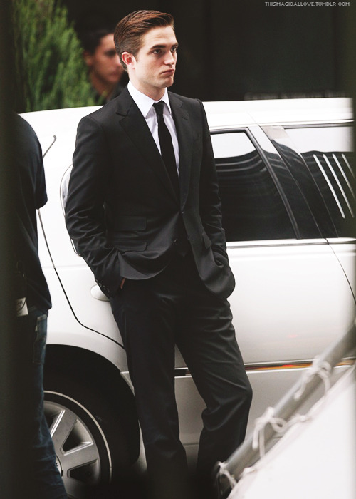30 Days of Rob » 16. Favourite Picture of Rob On Set of a movie