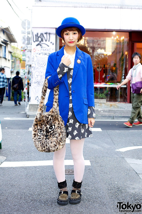 tokyo-fashion:  Fuzzy Candy Stripper cat bag, blue blazer & blue bowler on the street in Harajuku.