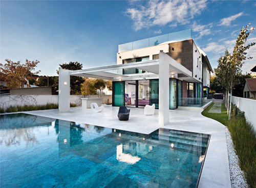 micasaessucasa:  (via Contemporary Mediterranean House: A Private Paradise | Modern House Designs)