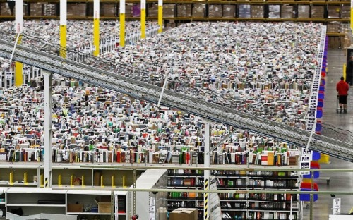Inside the Amazon warehouses, this is what Christmas looks like (Full set:http://imgur.com/a/q1WIO)