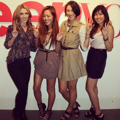 Throwing up the peace sign with one of my role models @evachen212! With @jenniegoingwest @songofstyle ^_^V #throwbackthursday #TBT #teenvogue