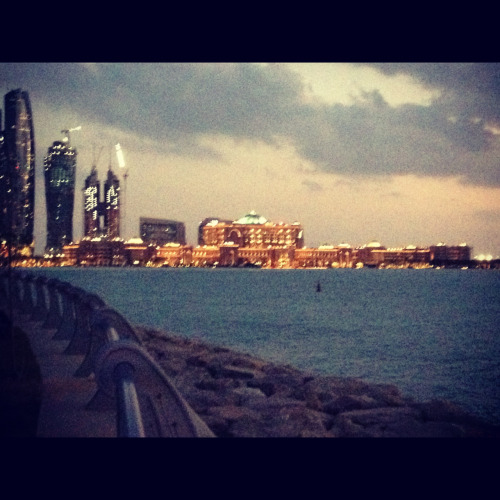 30daystotarget:  Breath taking View of emirates palace from the beach