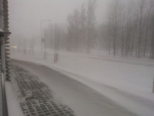 Ok, there's now quite a lot of snow in Helsinki now and it's drifting like crazy and blowing into strange shapes.  Flight this evening back to the UK, been a great month!