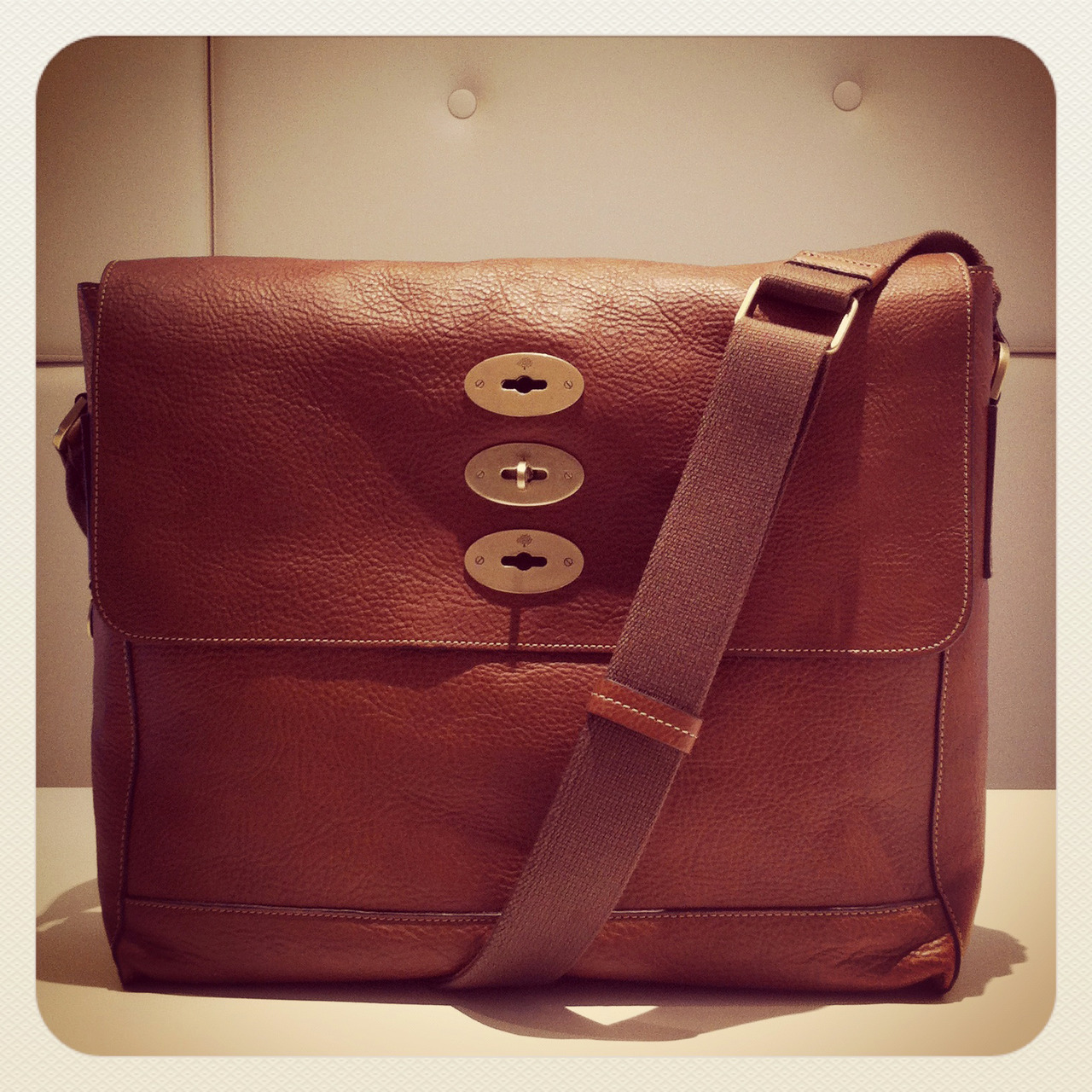 We're coveting the Brynmore messenger bag by Mulberry – a great option for work and weekend alike. SHOP at: http://bit.ly/TvFsKL
