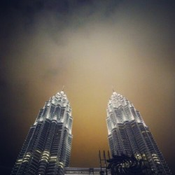 #Malaysia #kl #building #landmark #KualaLumpur #skyscraper #light #cloud #night