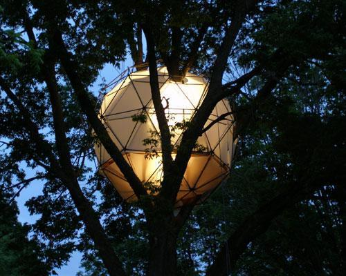 Dustin Feider had a different vision for treehouses than the conventional shack-like wooden structures often seen in suburban backyards. He wanted to design an eco-friendly structure that could sit among the trees without harming them, and that's how he created the first O2 Sustainability Tree House. These unique treetop domes are constructed entirely of recycled materials, and they hang from cables instead of being bolted to trees so their impact is minimal.18 of the world's most stunning treehouses