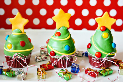 Christmas Tree Cupcakes Tutorial