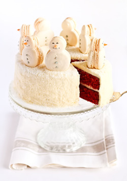 cakelove:  Christmas Red Velvet Cake Recipe  Oh I wish I had time to make something like this.