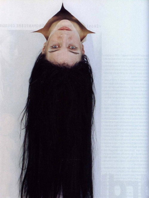 vroomheid:  Hannelore Knuts by Ronald Stoops, Jalouse n°17, 1999