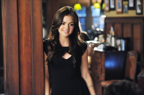 Aria knows how rock an LBD…and other dark clothing! Click through to see how Rosewood's edgiest liar rocks her signature color this season!