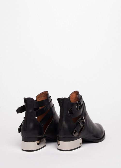 mtv-fora:  s/o to these Jeffrey Campbell Everly Boots for being rad.