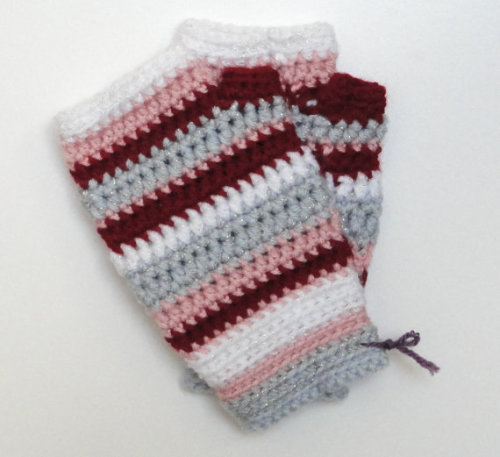 Keep your hands warm & festive! -Cory U (via Crochet Fingerless Mitts in Peppermint Snow by CUExperiments)