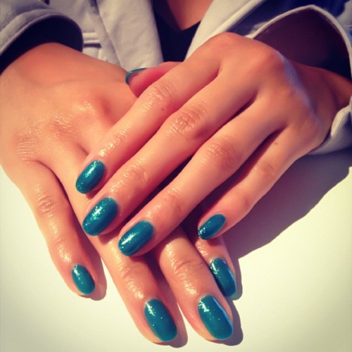 dippednails:  So loving this gel mani that our girl Juliet (cc: @philajapa) is rockin'. The color is called Oocacoocha Bing Bang - Alakazy Alakazm by #Gelish. #nails #manicure #gels