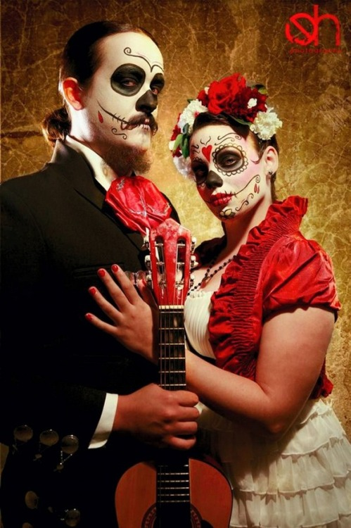Day Of The Dead couple.