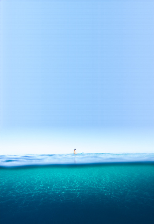 floating-a-way:  still   I really feel I need to clear my head, a surf weekend is definitely in order.
