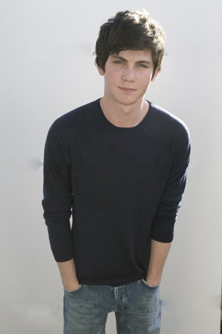 wheredafuckareu:  Logan Lerman, marry me pls. ♡