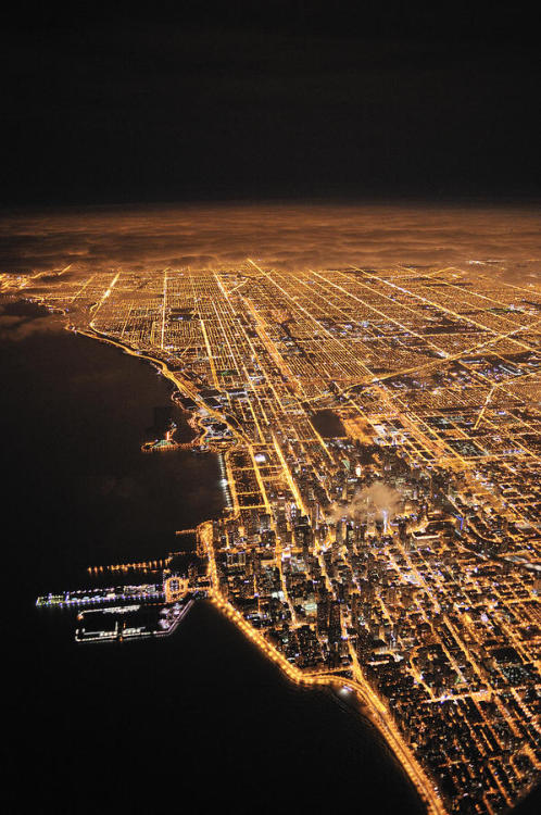 urbanination:  Chicago at night.
