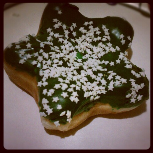 christmas donuts from dunkin :) #whatimeating