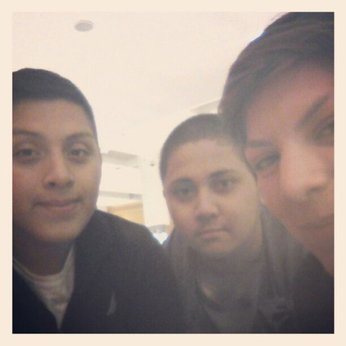 Look who we bumped into at Wheaton Mall. Riskyyyyyy :) and my manz Chris! <3