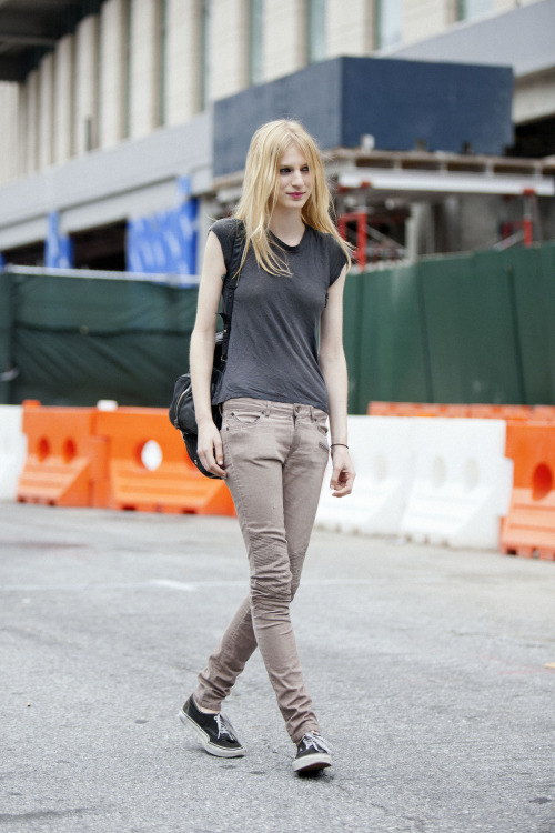 Julia Nobis (@FordModels) always sticks to her comfortable skinny jeans and t-shirts (imagine wearing other clothes all day!) but she has an aura and relaxed badas* attitude that still manages to intrigue all the photographer's eyes.  She's currently on the cover of Numero Dec/Jan and Vogue Australia (her homecountry) December. Amazing! See everything she's done at Ford Models Blog and her Ford portfolio as well.