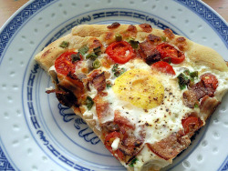 breakfast pizza by ☆KSENiA☆ on Flickr.